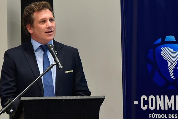 Presidente da Conmebol, Alejandro Domínguez, espera orientação da FIFA sobre vagas para 2022