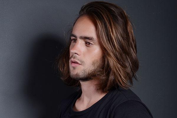 Rodrigo Mello, cantor e compositor