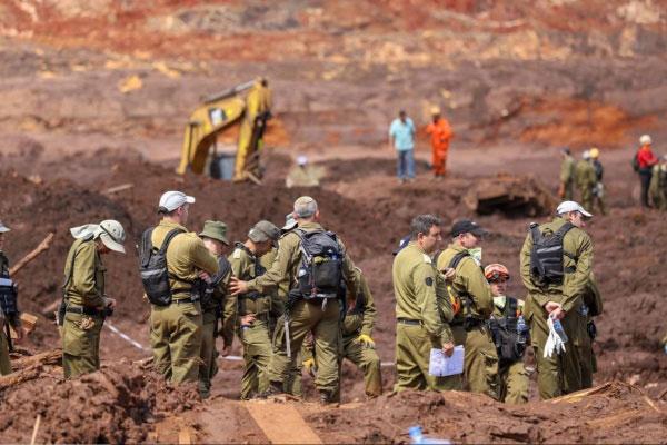 Soldados israelenses em Brumadinhi-MG