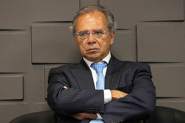 Ministro da Economia, Paulo Guedes, já falou em 57 anos para mulheres e 62 anos para homens