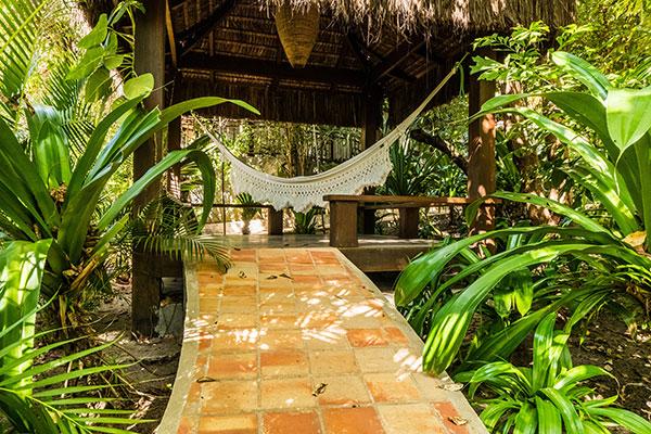 Sombra e Água Fresca Hotel e Resort é convite ao relax praiano