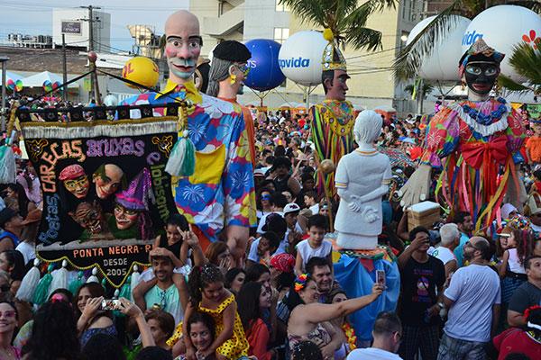 Poetas, Carecas já garantiu saída e promove prévia e exposição no Praia Shopping