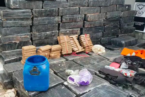 Operação Alpha Bravo encontrou 3 toneladas de maconha, além de armas e explosivos