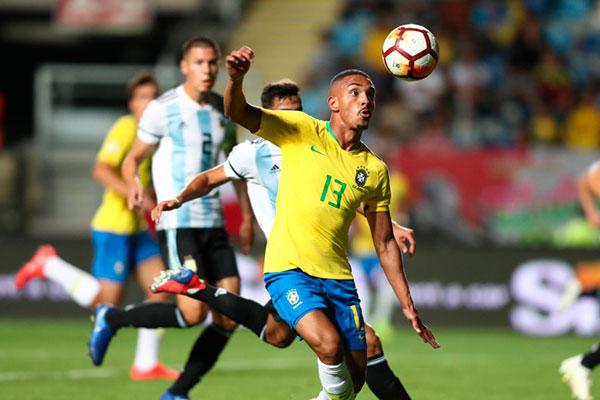 Brasil vence Argentina por 1 a 0, mas está fora do Mundial da Polônia
