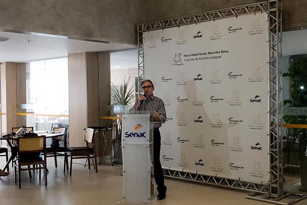 Marcelo Queiroz, presidente da Fecomércio, na apresentação do Hotel-Escola Secan Barreira Roxa