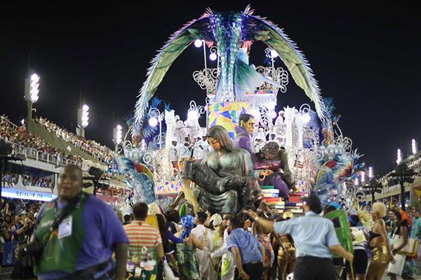 A cidade do Rio de Janeiro, tradicional pelos desfiles das escolas de samba, espera R$ 2.094 bi