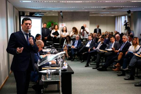 O ministro da Justiça e Segurança Pública, Sergio Moro, durante reunião para discutir sugestões ao Projeto de Lei Anticrime, na Escola Nacional de Formação e Aperfeiçoamento de Magistrados, Enfam