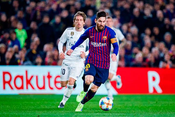 Lionel Messi (Barcelona-ARG), após a pandemia passou a valer algo entre 127 (R$ 803 milhões) e 134 milhões de euros (R$ 848 milhões)