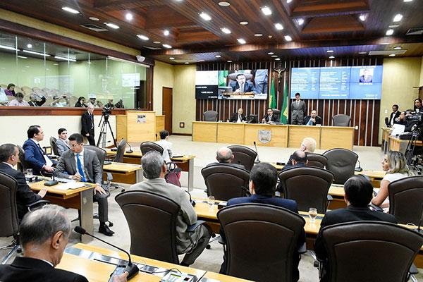 Deputados votam favoráveis ao reconhecimento da calamidade