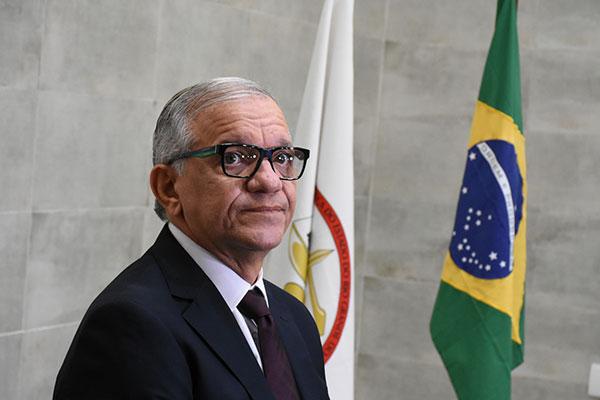 Desembargador João Rebouças está com covid-19