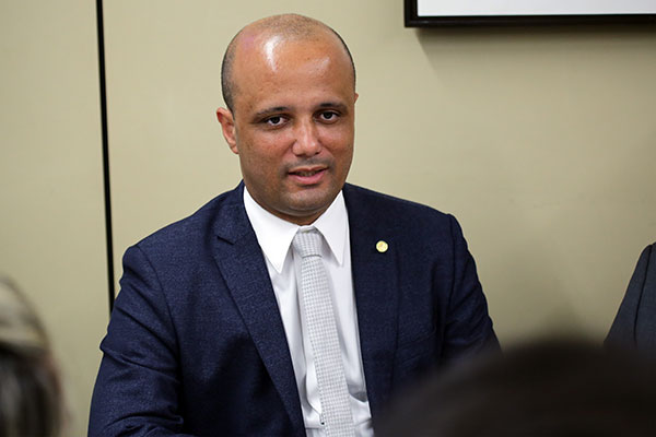 Major Vitor Hugo destaca que há uma pauta extensa a ser votada na Câmara dos Deputados