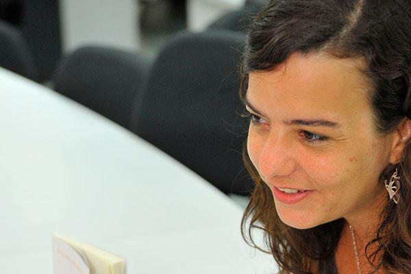 Escritora Cellina Muniz comando o Con-Versa com Prosa
