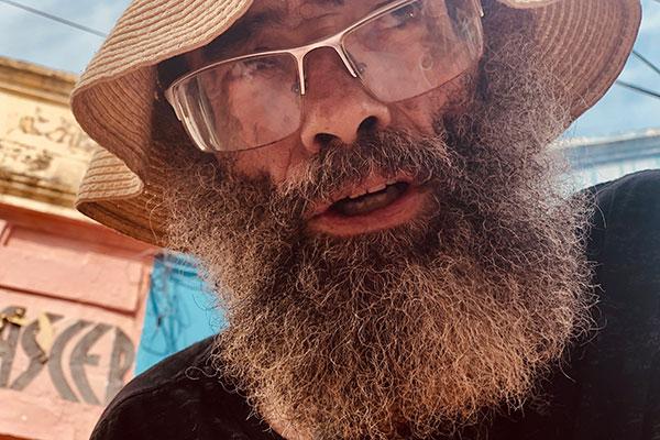 Romildo Soares vai revelar suas contravenções poéticas em lançamento na praça Padre João Maria