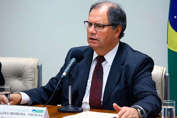 Alceu Moreira lidera a Frente Parlamentar da Agropecuária e admite dificuldades para a votação