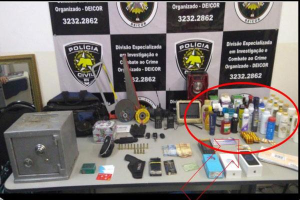 Material apreendido durante operação da Polícia Civil. Na imagem, produtos furtados de uma farmácia também foram recuperados