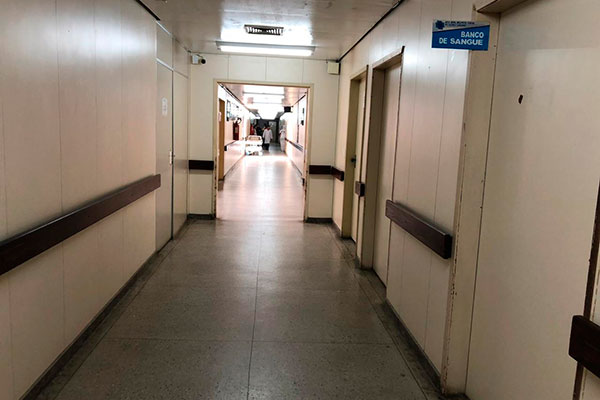 Com a transferência de pacientes vasculares para o Hospital Ruy Pereira, corredores do Walfredo Gurgel estão vazios