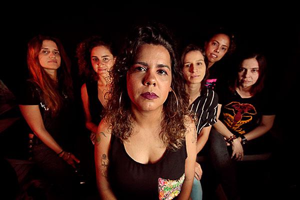 Formada por mulheres, banda conta com musicistas experientes em carreira solo ou em bandas