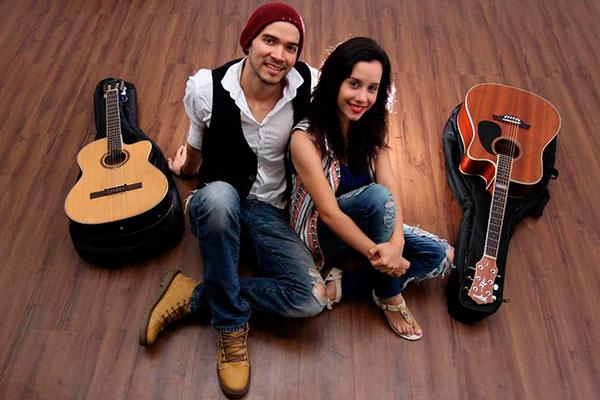 Matheus Ribeiro e a cantora Luaz se apresentam no Nuh Café