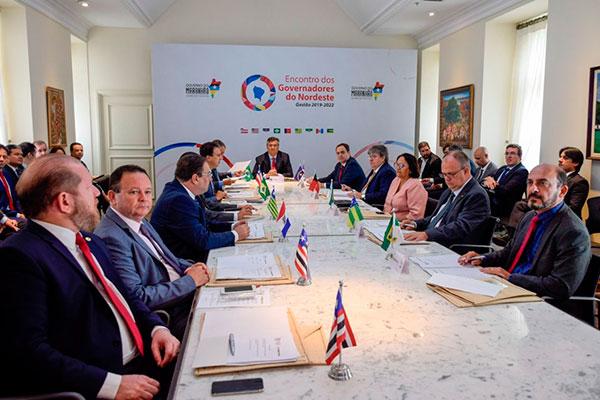 Governadores dos estados da região participam, em São Luiz, da reunião do Fórum do Nordeste
