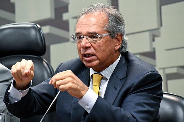 Paulo Guedes participa de audiência na Comissão de Assuntos Econômicos dp Senado