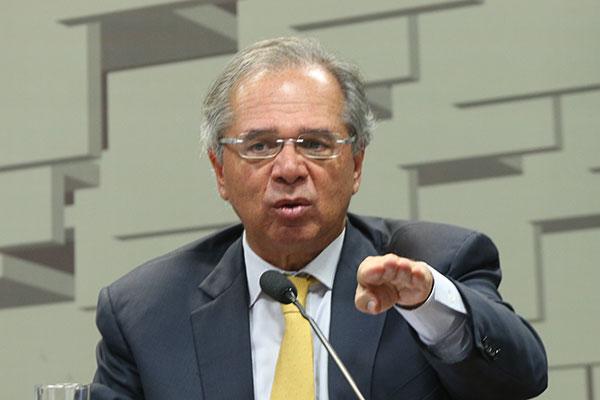 Paulo Guedes descarta transferir recursos extras sem contrapartida dos estados em crise