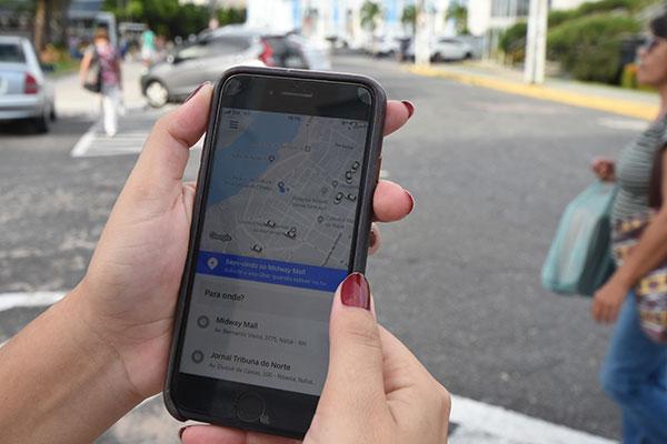 Serviço de Uber registra de 10 a 20 viagens diárias por motorista na Região Metropolitana