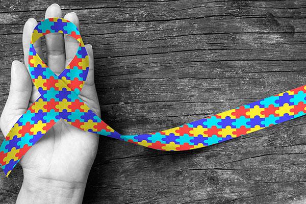 Segundo a Organização Mundial da Saúde, estima-se que o Brasil tenha dois milhões de casos de Transtorno do Espectro Autista, metade deles ainda não diagnosticados