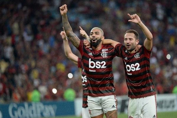 Flamengo Sofre Contra O Flu, Mas Busca Empate Com Gol De