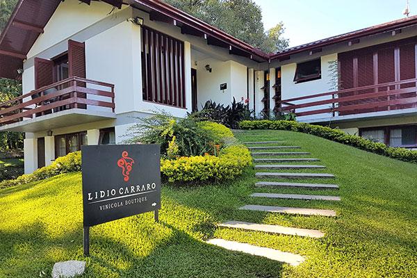 A Lídio Carraro é uma vinícola Boutique localizada na Estrada do Vinho, no Vale dos Vinhedos e já está na quinta geração de produtores