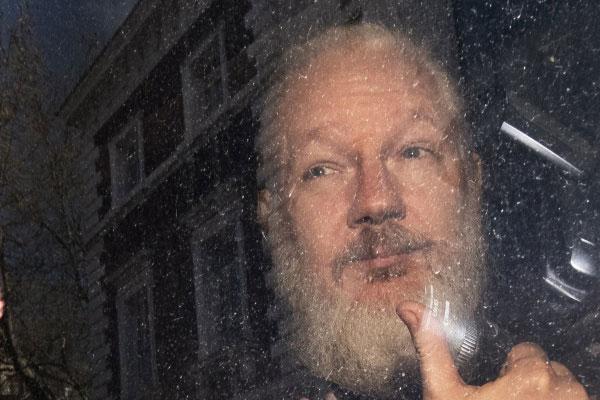 O fundador do Wikileaks, Julian Assange foi preso nesta quinta-feira em Londres