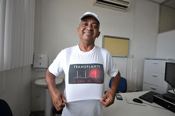 Transplantado há 11 anos, Amarildo Nobre atualmente trabalha como voluntário ajudando pessoas que passam pelo mesmo problema dele, esperando por um rim