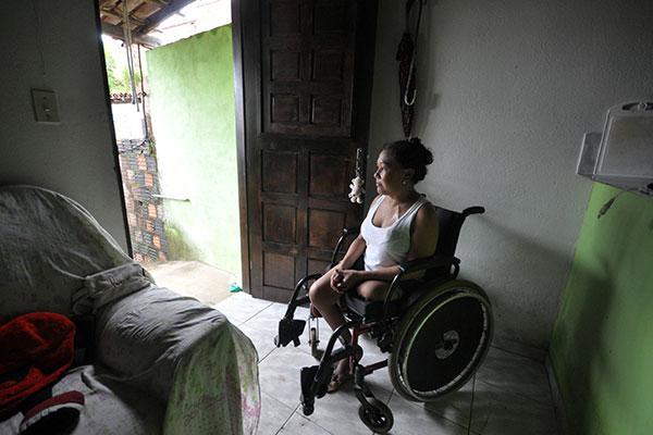 Juliana Almeida, 33, aguarda ainda sua vez para entrar na fila dos que  esperam por um rim no Rio Grande do Norte