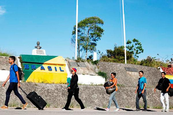 No Brasil, 94,8 mil venezuelanos solicitaram refúgio, e 64,7 mil pediram residência temporária