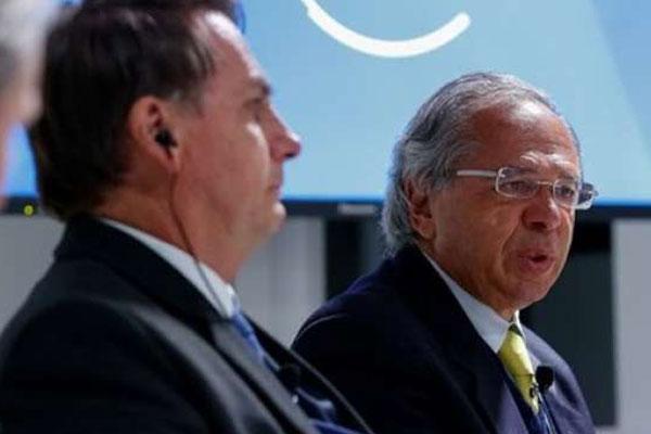 O ministro da Economia, Paulo Guedes e o presidente da República Jair Bolsonaro se reúnem nesta segunda no Palácio do Planalto