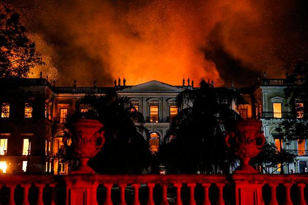 Incêndio destruiu legado histórico de relevância mundial em setembro do ano passado, no Rio