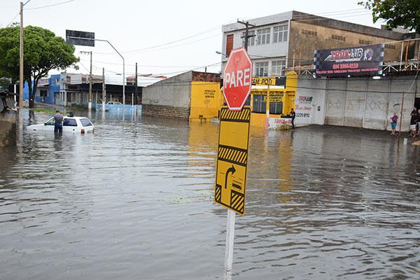 Avenidas Capitão-Mor Gouveia e São José, zona Sul