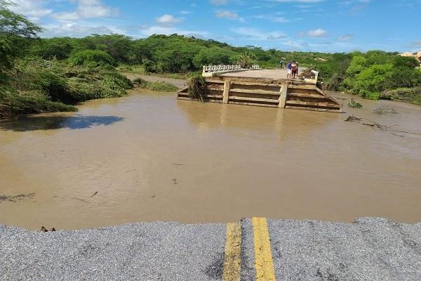 Ponte desaba