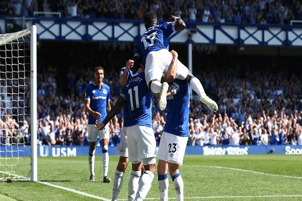 Everton goleou o Manchester United por 4 a 0