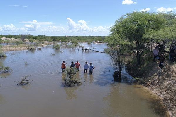 Defesa Civil do estado e nacional vêm fazendo inspeção nos locais atingidos e monitorando áreas em Santana do Matos, para orientar população