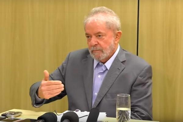 Lula concedeu entrevista a El País e Folha de S. Paulo