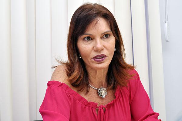 Coordenadora do Juizado no Aeroporto, Maria Amélia Chaves, fala sobre as orientações