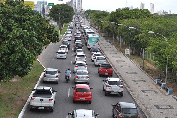 Os veículos com placas finais de 7 e 8 têm vencimento do licenciamento para a próxima semana