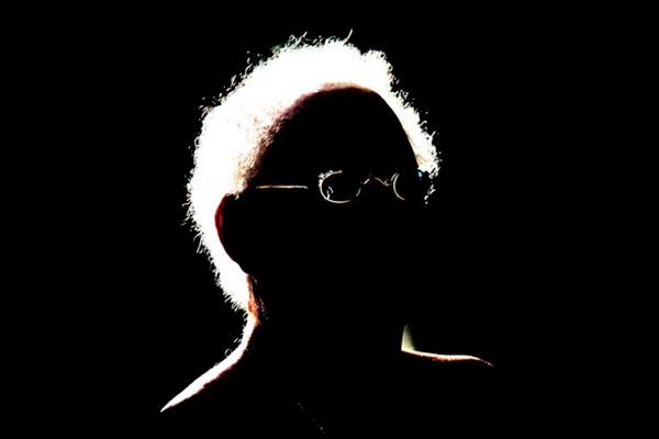 Jards Macalé está com disco novo na praça desde fevereiro. Besta Fera, o nome do álbum, surge 20 anos depois do último trabalho de inéditas do artista, O Q Faço é Música