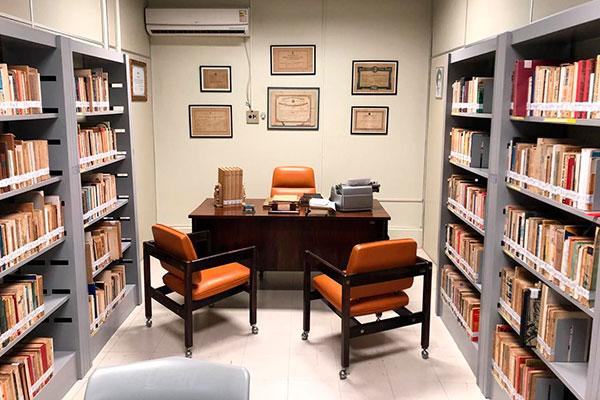 A sala preservada com móveis, livros pessoais, documentos e anotações raras da escritora e bibliotecária Zila Mamede