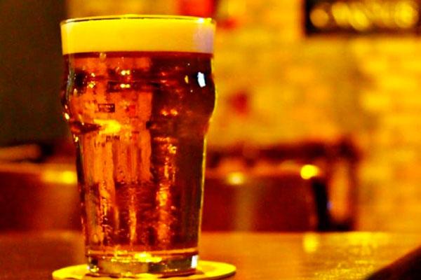 Ao contrário de Natal, Parnamirim liberou funcionamento de bares, consumo de bebidas alcoólicas e música ao vivo