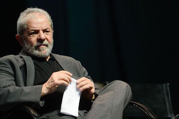 Ex-presidente Lula pede regime semiaberto ao STJ