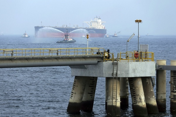 Dois navios atacados