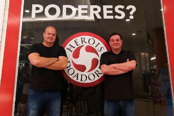 Marcos Arnaud e André de Paula organizam a campanha para incentivar a doação no RN