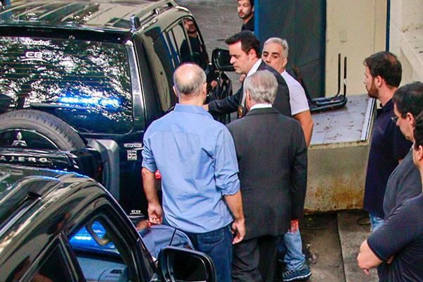 Ex-presidente Michel Temer é levado para sala especial no Policiamento de Choque da Polícia Militar