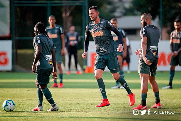 Após derrota para o Palmeiras no final de semana, Atlético enfrente outro clube paulista, o Santos, pelas oitavas da Copa do Brasil